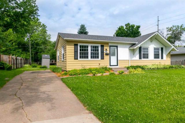 3710 Wakonda Drive, Bettendorf, IA 52722 (#QC202) :: Adam Merrick Real Estate