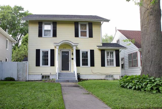 2710 E Pleasant Street, Davenport, IA 52803 (#QC463) :: RE/MAX Preferred Choice