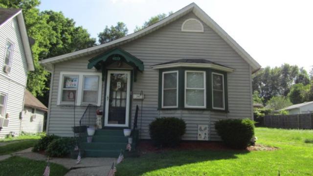 245 20TH Place, Clinton, IA 52732 (#QC671) :: Adam Merrick Real Estate