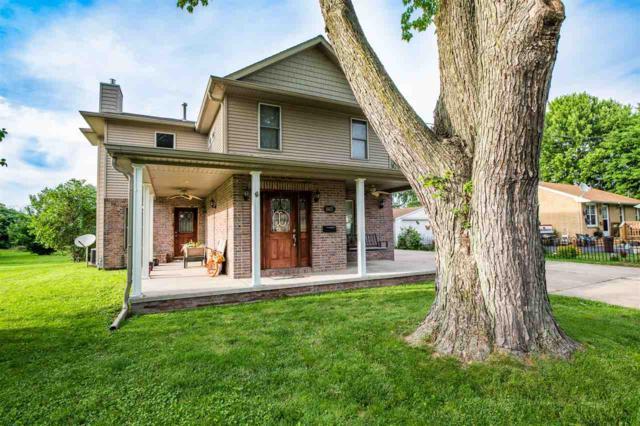 665 E Court Street, Farmington, IL 61531 (#PA1206488) :: Adam Merrick Real Estate