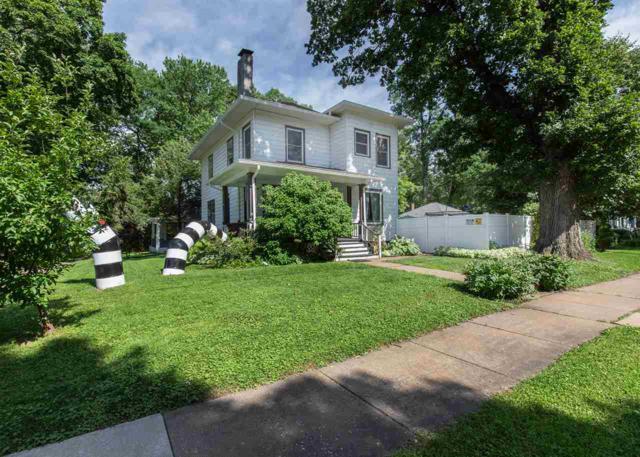 1327 Arlington Avenue, Davenport, IA 52803 (#QC762) :: Killebrew - Real Estate Group