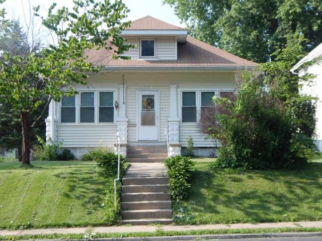 1630 W 12TH Street, Davenport, IA 52804 (#QC826) :: Killebrew - Real Estate Group