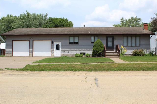 412 Jackson Boulevard, Goose Lake, IA 52750 (#QC855) :: Adam Merrick Real Estate