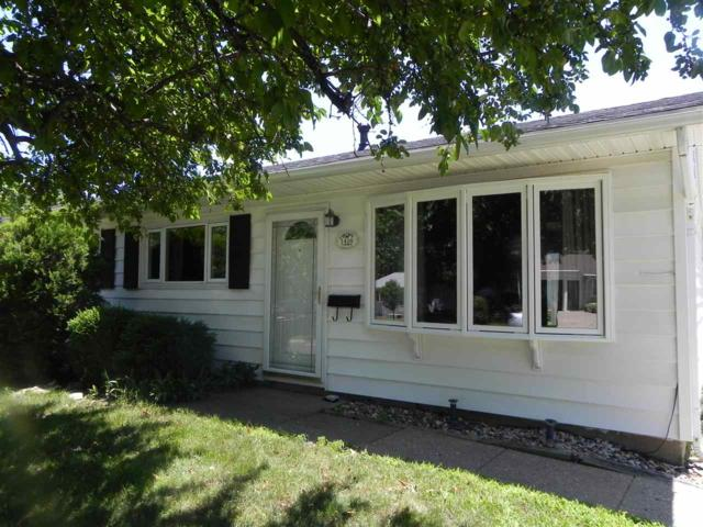 1416 Lincoln, Pekin, IL 61554 (#PA1206767) :: RE/MAX Preferred Choice