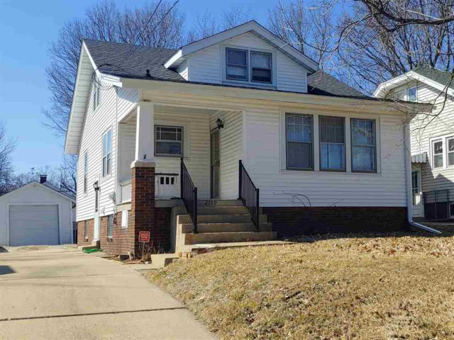 2709 N California Avenue, Peoria, IL 61603 (#PA1206836) :: RE/MAX Preferred Choice