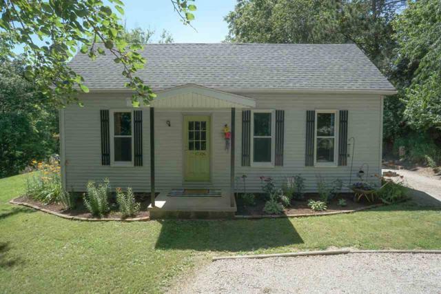 17526 Deer Path Lane, Petersburg, IL 62675 (#CA858) :: Adam Merrick Real Estate