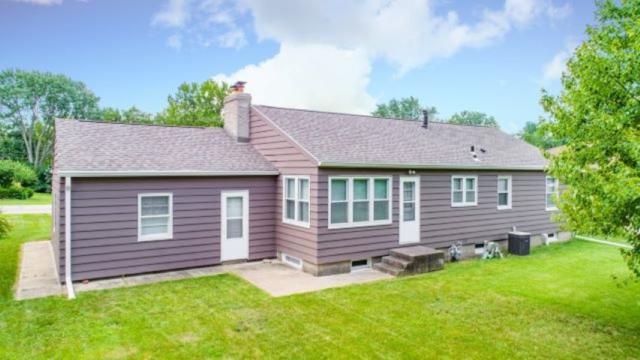 313 W Glen Avenue, Peoria, IL 61614 (#PA1207029) :: The Bryson Smith Team