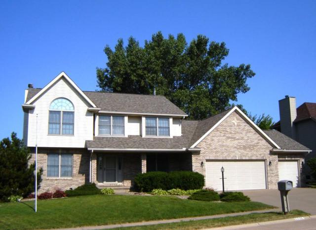 5118 Davis Street, Bettendorf, IA 52722 (#QC4204257) :: Adam Merrick Real Estate