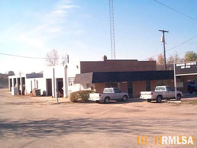 3126-28 E Washington, East Peoria, IL 61611 (#PA1208974) :: The Bryson Smith Team