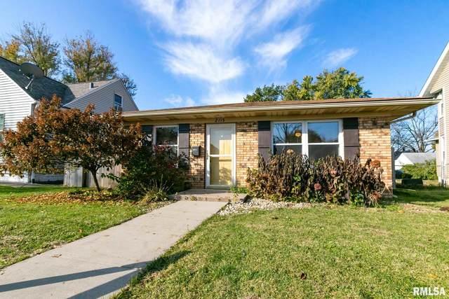 2115 3RD Street, Moline, IL 61265 (#QC4211043) :: Killebrew - Real Estate Group