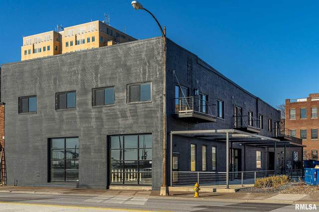 210 E River Drive, Davenport, IA 52801 (#QC4212291) :: Killebrew - Real Estate Group