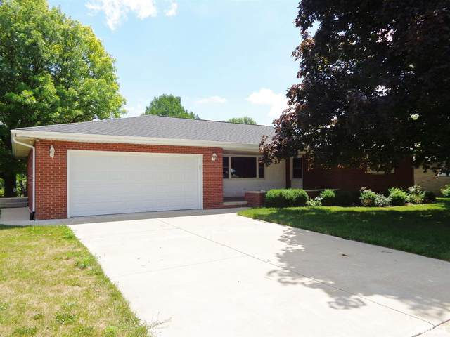 208 Ossami Lake Drive, Morton, IL 61550 (#PA1217012) :: Killebrew - Real Estate Group