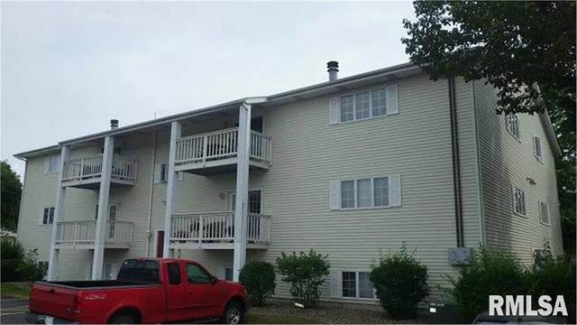 3260 Parkwild Drive, Bettendorf, IA 52722 (#QC4214271) :: Killebrew - Real Estate Group