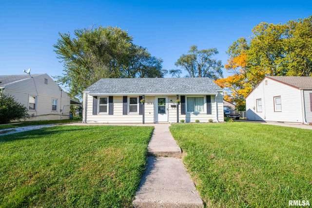 2121 W Gilbert Avenue, Peoria, IL 61604 (#PA1219591) :: RE/MAX Preferred Choice