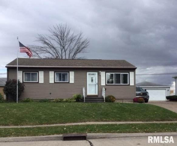 4004 10TH Street, East Moline, IL 61244 (#QC4216212) :: The Bryson Smith Team