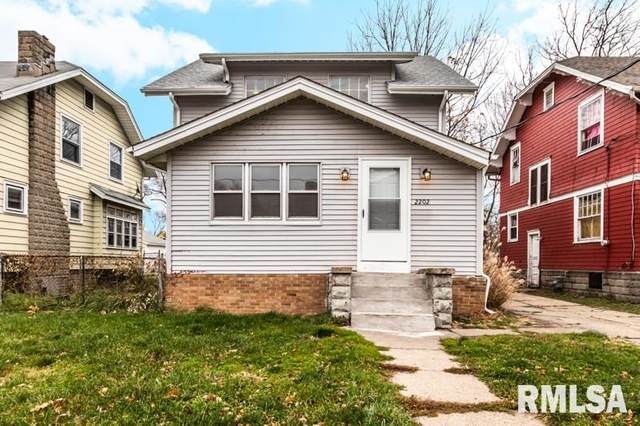 2202 N Wisconsin Avenue, Peoria, IL 61603 (#PA1220730) :: RE/MAX Preferred Choice