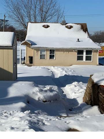 4017 11TH Street, Rock Island, IL 61201 (#QC4218128) :: Nikki Sailor | RE/MAX River Cities