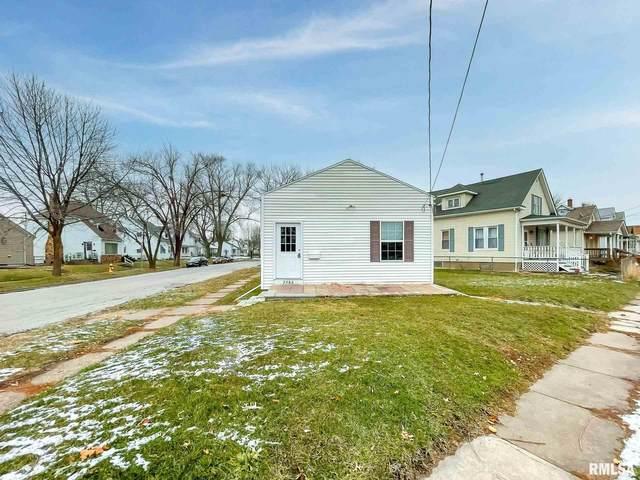 2382 Mckinley Avenue, Davenport, IA 52802 (#QC4218287) :: Killebrew - Real Estate Group
