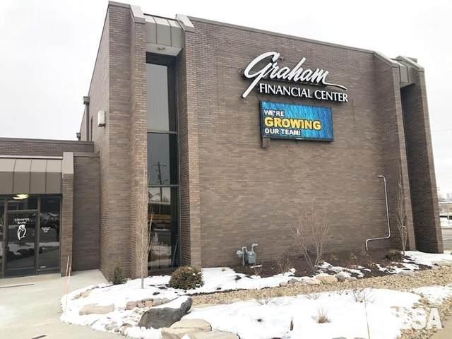 300 E Washington, East Peoria, IL 61611 (#PA1221889) :: Paramount Homes QC