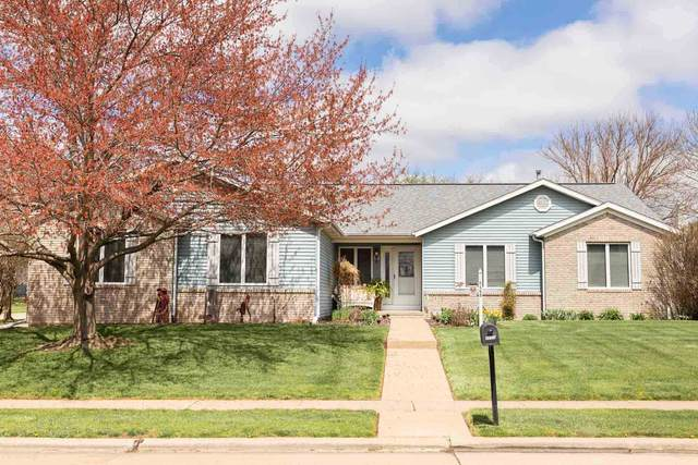 2458 Countryside Lane, Bettendorf, IA 52722 (#QC4220637) :: Nikki Sailor | RE/MAX River Cities