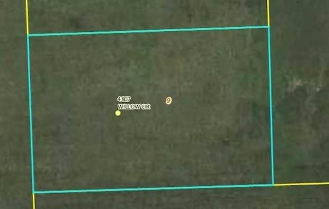 4807 Willow, Davenport, IA 52806 (MLS #QC4220880) :: BN Homes Group