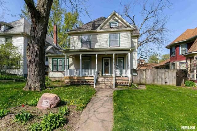 30 Oak Lane, Davenport, IA 52803 (#QC4221036) :: Killebrew - Real Estate Group