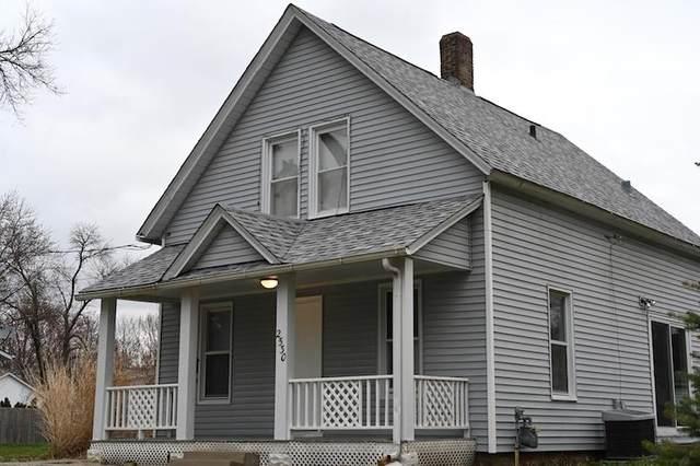 2530 4TH Street, Moline, IL 61265 (#QC4221373) :: Killebrew - Real Estate Group