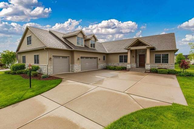 3214 Westminster Road, Bettendorf, IA 52722 (#QC4221442) :: The Bryson Smith Team