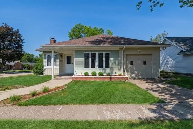 501 9TH Avenue, De Witt, IA 52742 (#QC4222860) :: Paramount Homes QC