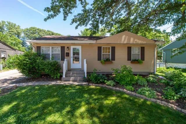 3910 8TH Street, East Moline, IL 61244 (#QC4223011) :: Killebrew - Real Estate Group