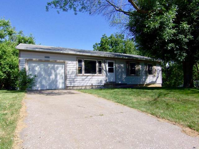 4003 Greenway Drive, Davenport, IA 52804 (MLS #QC4223117) :: BN Homes Group