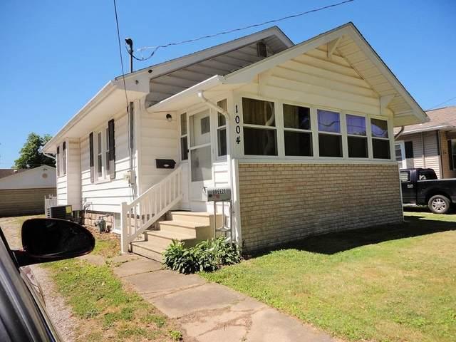 1004 E Elm Street, Taylorville, IL 62568 (#CA1007987) :: Kathy Garst Sales Team