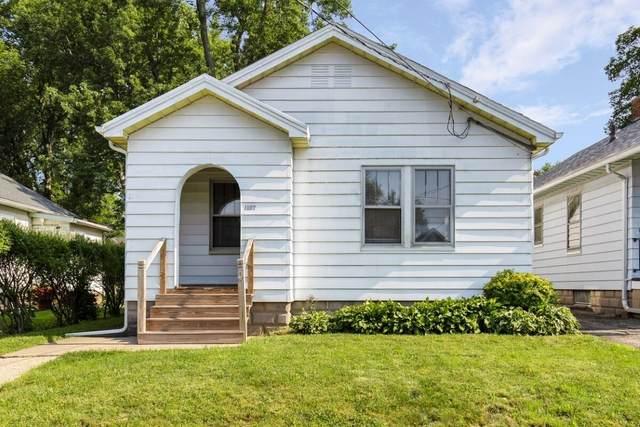 1107 E Hines Avenue, Peoria Heights, IL 61616 (#PA1227046) :: RE/MAX Preferred Choice