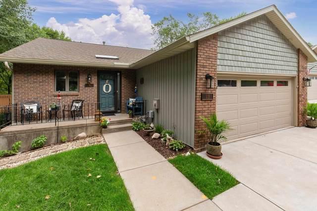 915 23RD Avenue, East Moline, IL 61244 (#QC4224217) :: Killebrew - Real Estate Group