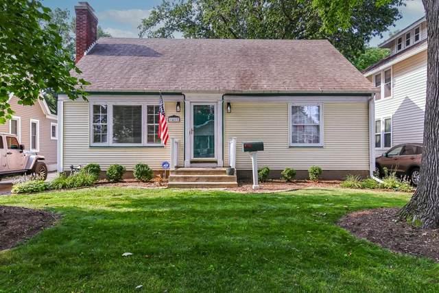 1417 W Edwards Street, Springfield, IL 62704 (#CA1008704) :: Killebrew - Real Estate Group