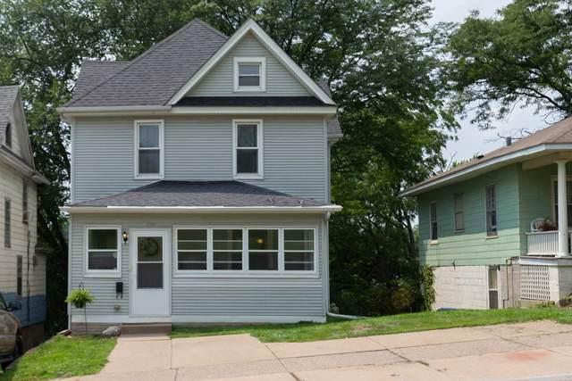 924 Tremont Avenue, Davenport, IA 52803 (#QC4224630) :: Paramount Homes QC