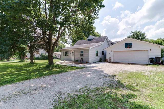 112 Madison Street, Hopedale, IL 61747 (#PA1228231) :: Paramount Homes QC