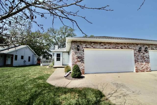 2401 Lakeshore Drive, Pekin, IL 61554 (#PA1228563) :: Paramount Homes QC