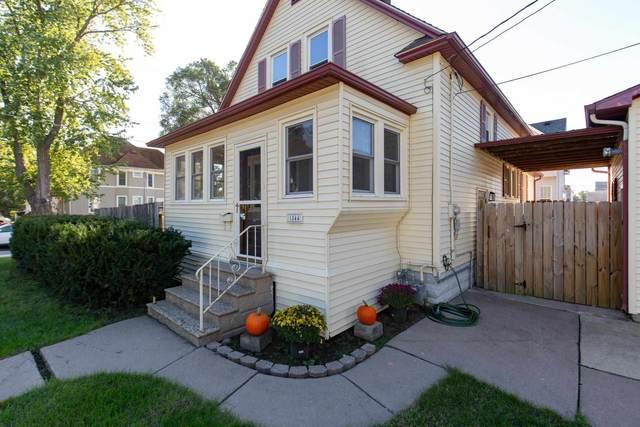 1844 19TH Avenue, Moline, IL 61265 (#QC4227516) :: The Bryson Smith Team