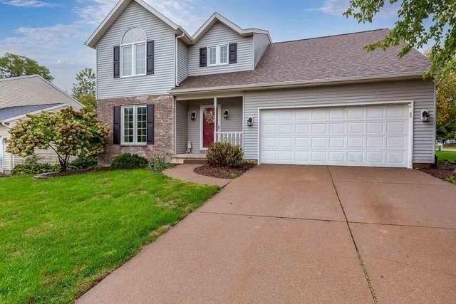 4590 Winston Place, Bettendorf, IA 52722 (#QC4227657) :: Killebrew - Real Estate Group