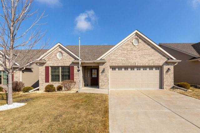 1716 Stone Gate Circle, Davenport, IA 52807 (#QC4200656) :: Killebrew - Real Estate Group