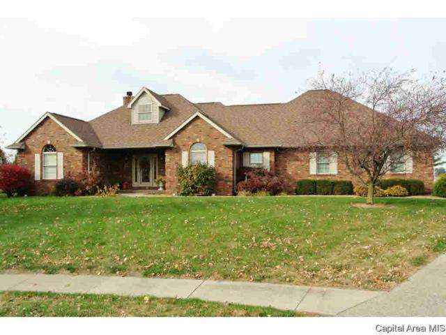 35 Wadsworth Dr, Jacksonville, IL 62650 (#CA167316) :: Adam Merrick Real Estate