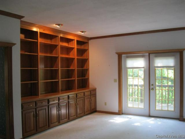 2108 Timbercrest Cul-De-Sac, Springfield, IL 62702 (#CA185535) :: Killebrew - Real Estate Group
