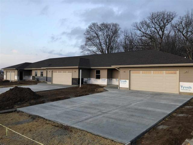 322 E River Court, Camanche, IA 52730 (#QC4201320) :: Adam Merrick Real Estate