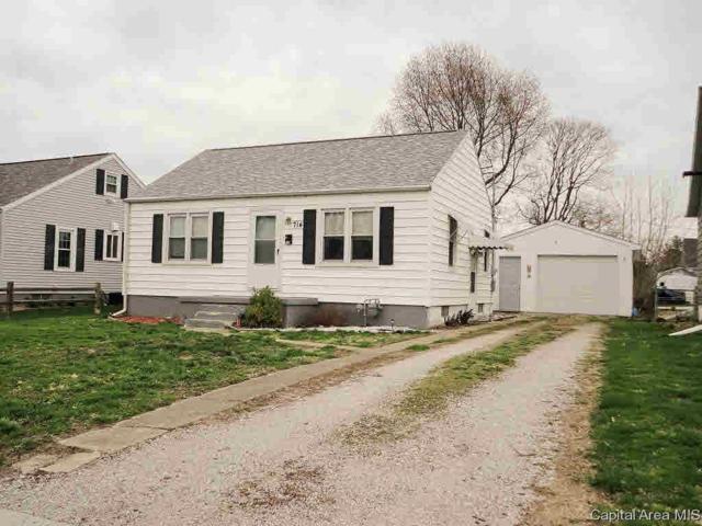 714 Haner Avenue, Taylorville, IL 62568 (#CA192510) :: Killebrew - Real Estate Group