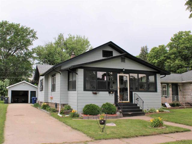 2348 Dunham Street, Clinton, IA 52732 (#QC4201753) :: Killebrew - Real Estate Group
