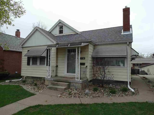 2416 33RD Street, Moline, IL 61265 (#QC4201918) :: Killebrew - Real Estate Group