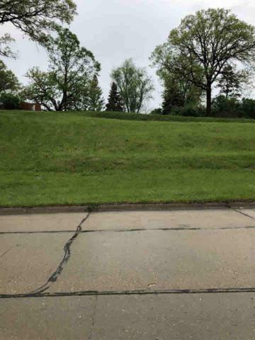 558 Breezy Point Drive, Clinton, IA 52732 (#QC4202972) :: Adam Merrick Real Estate