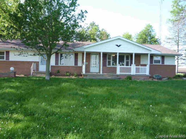4153 Grainleg Ave, Farmersville, IL 62533 (#CA193279) :: Adam Merrick Real Estate