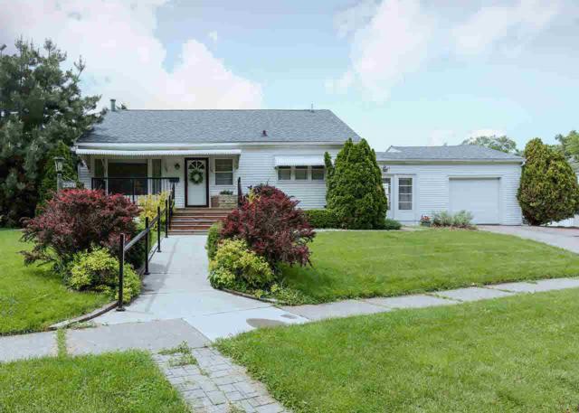 2306 Warren Street, Davenport, IA 52804 (#QC4203226) :: Killebrew - Real Estate Group
